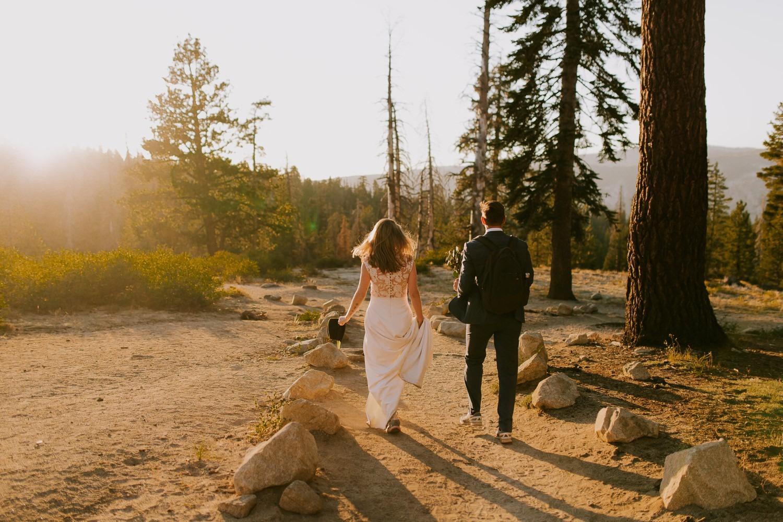 wedding couple at taft point