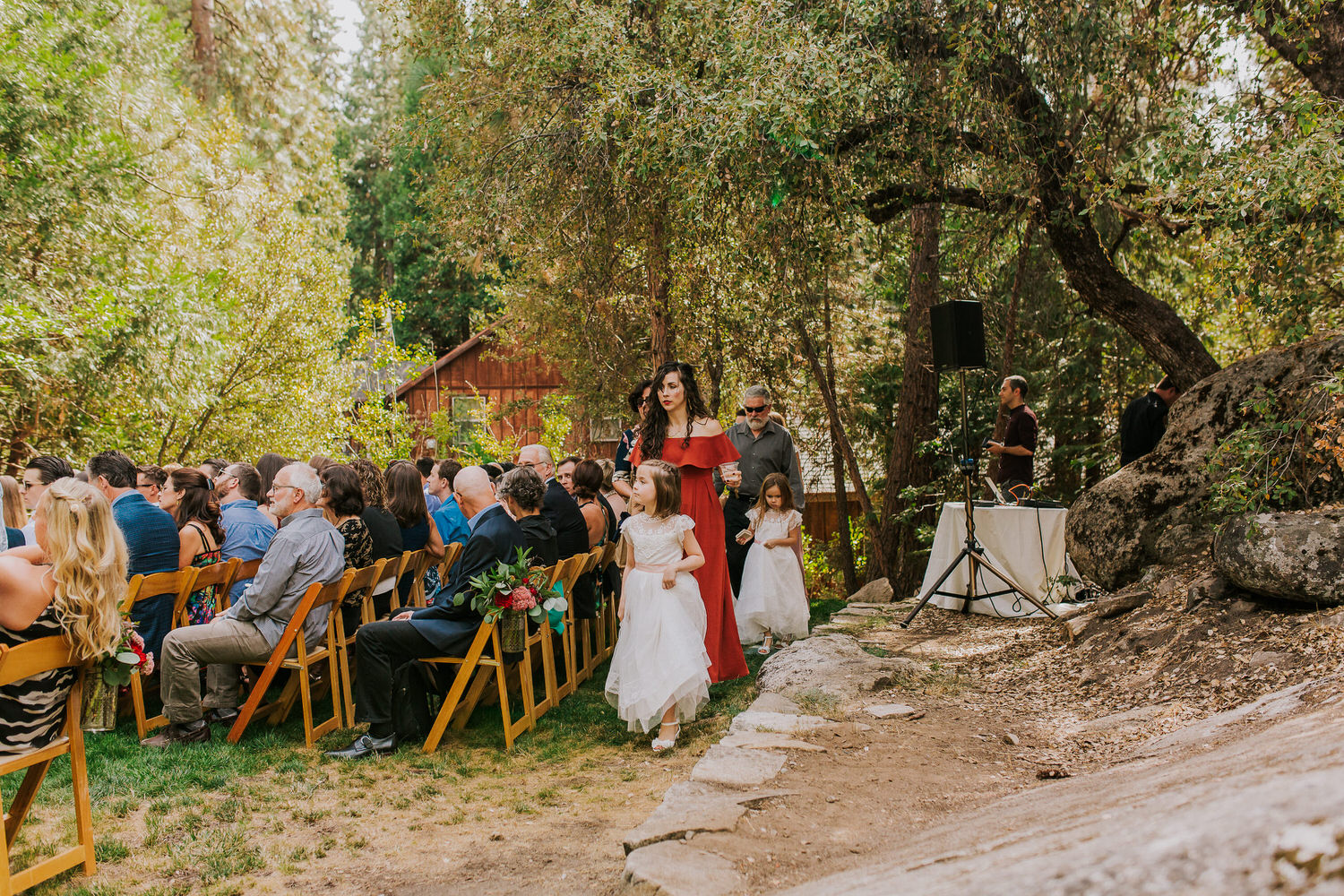bridal party getting ready for outdoor Evergreen Lodge wedding
